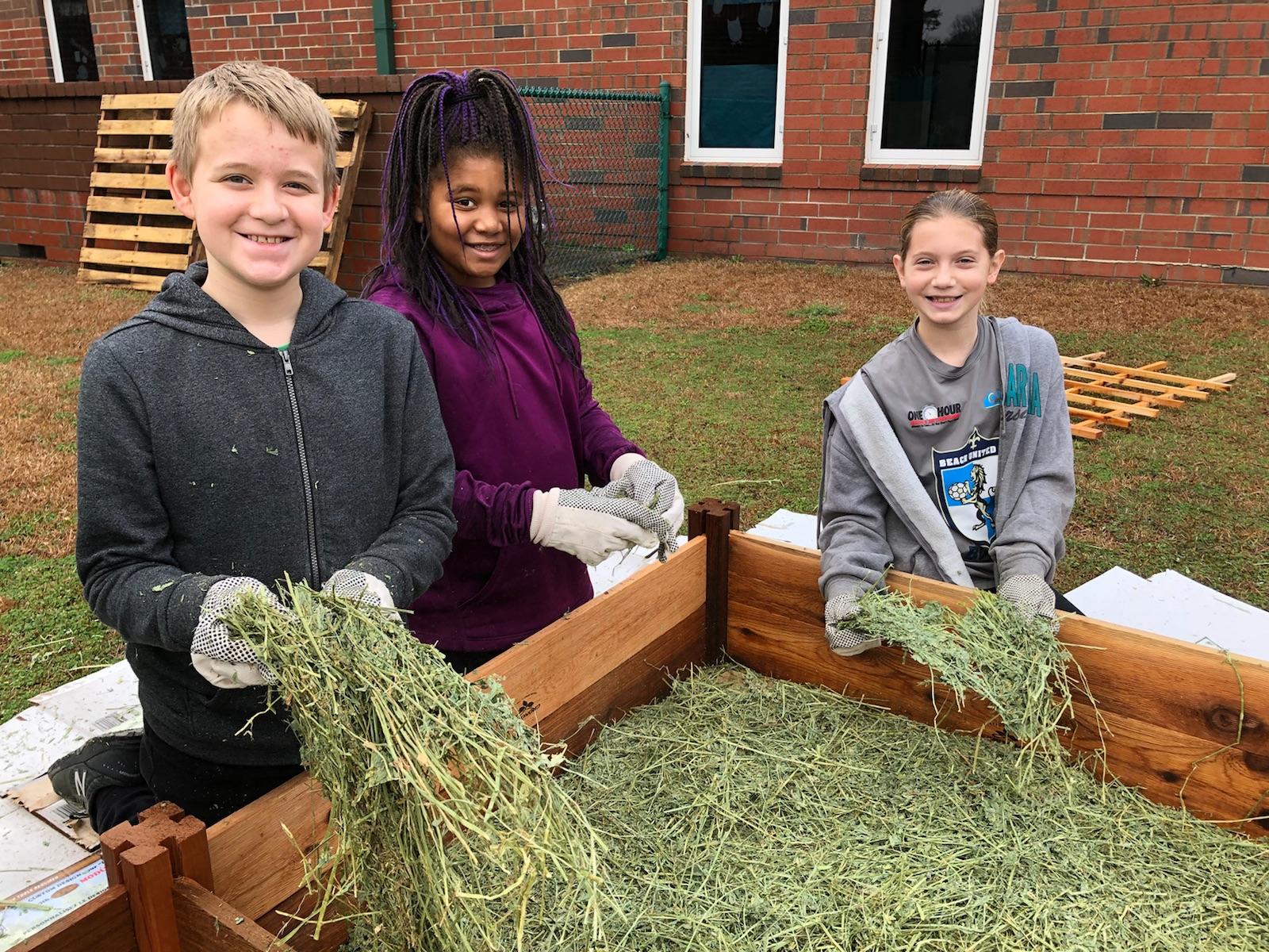 Ocean Bay Elementary Green Apple Day of Service