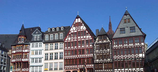 Old town Frankfurt: Who would guess it's hiding my all-black hotel?